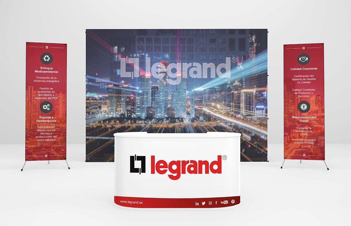 legrand_stand
