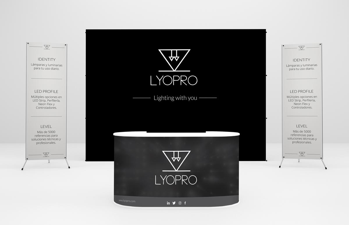 lyopro_stand