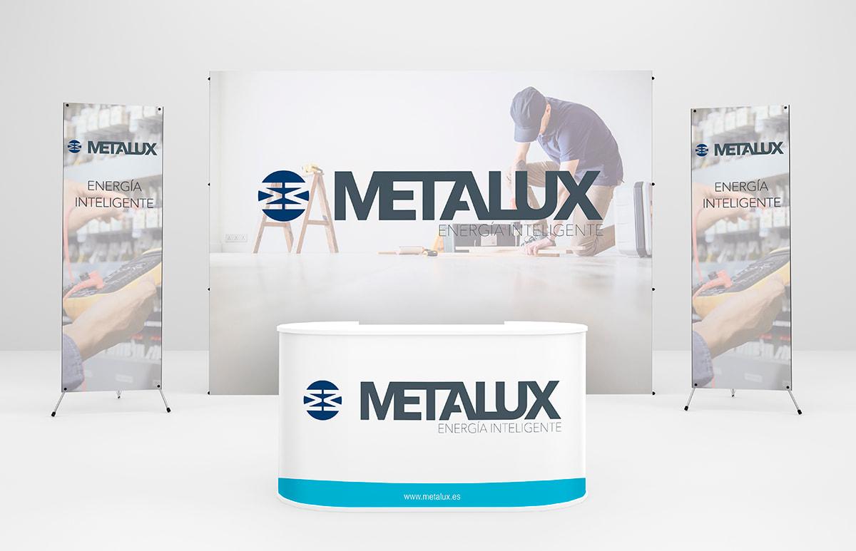 metalux_stand